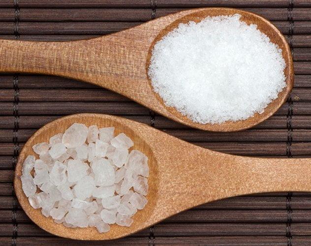 فوائد السكر والملح للبشرة