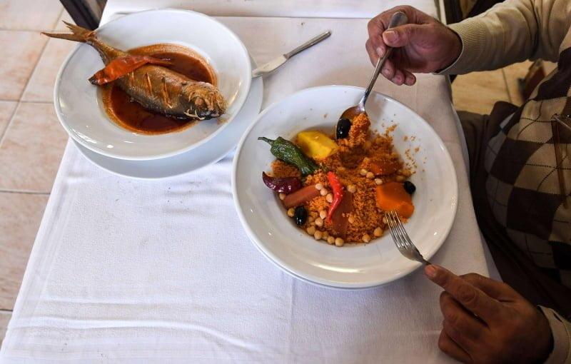 السفر إلى أوروبا لا تطلب طعاماً في المطعم