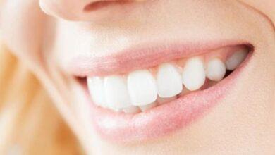 صورة العناية بالأسنان والتخلص من رائحة الفم