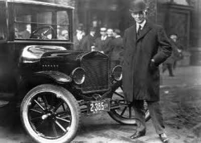 كيف بدأت شركة فورد من الصفر؟ وما قصة عداء هنري فورد لليهود؟