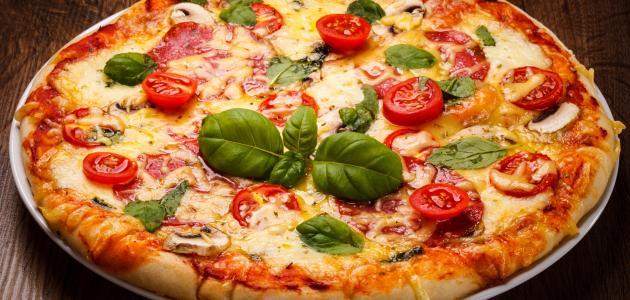عجينة البيتزا الأساسية
