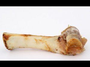 ماذا يحدث لجسمك عند تناولك مرق العظام