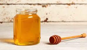 وصفة العسل مع الماء الدافئ وفوائدها العظيمة