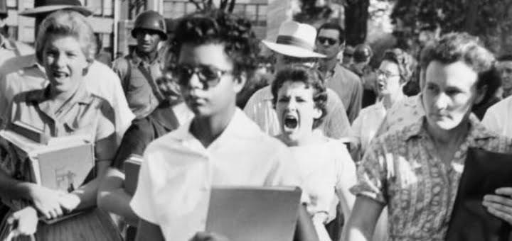 سياسة الفصل العنصري