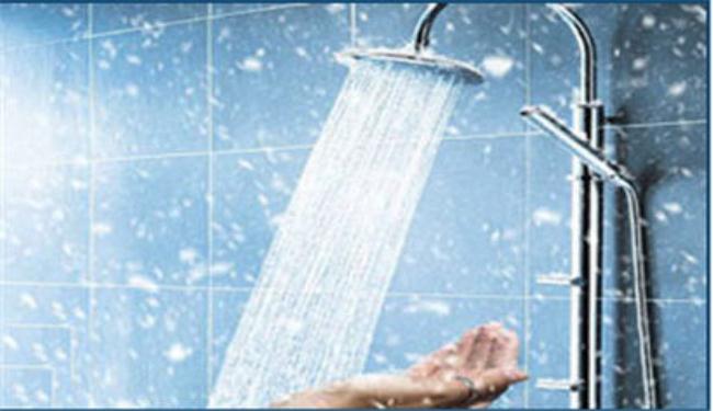 فوائد الماء البارد والساخن للجلد