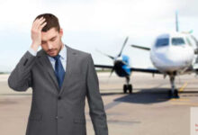 صورة الصداع عند ركوب الطائرة | ما هي اسبابها؟ وكيف يمكن تجنب ذلك؟